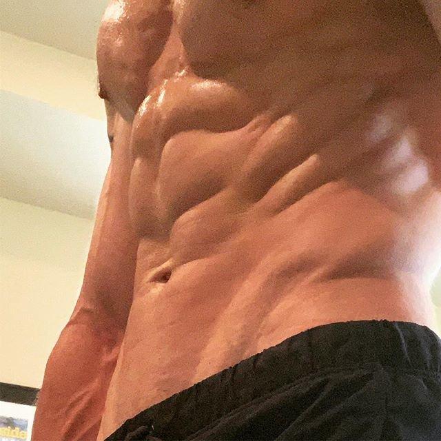 https://musclesbuilding.net/كيف-تلعب-تمرين-الكرنش-لشد-البطن/