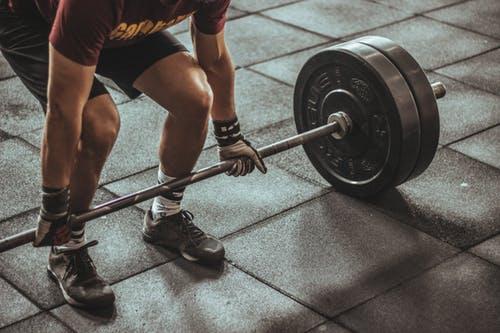 جدول تمارين سحب دفع المثالي لبناء عضلات